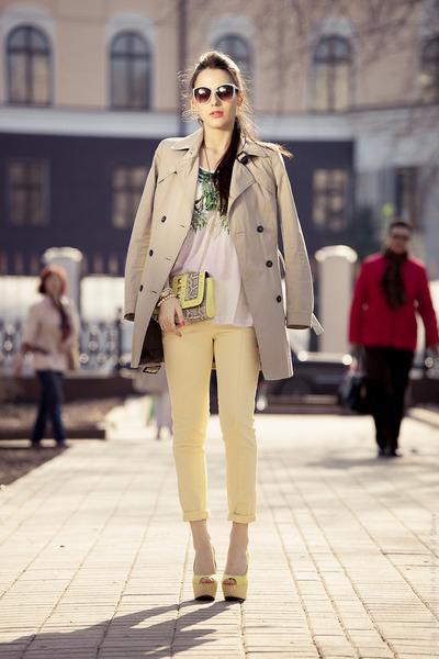 beige-trench-zara-coat-light-yellow-h-m-bag-light-blue-pimkie-sunglasses_400