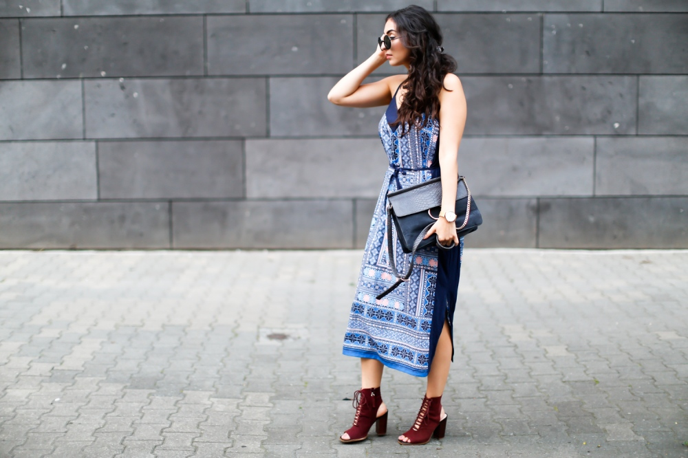 oasis-paisley-midi-dress-midikleid-bohemian-streetstyle-boho-outfit-zara-laceup-heels-fashion-deutschland-summerlook-fall-fashionblogger-samieze-berlin-mode-blog-7-1